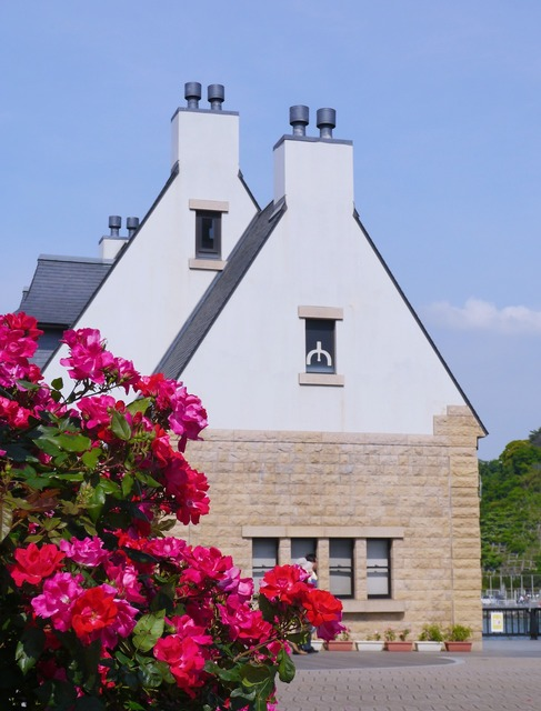 Verny memorial france rose, architecture buildings.