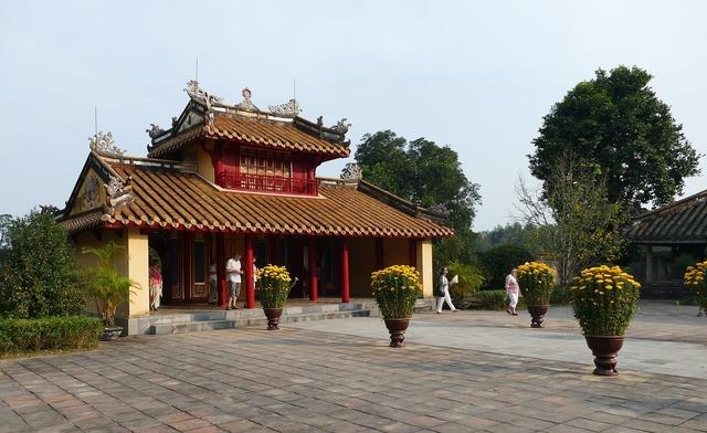 Vietnam asia hue, religion.