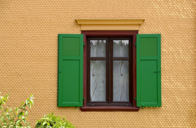 View of the window fenstramen shutter, architecture buildings.
