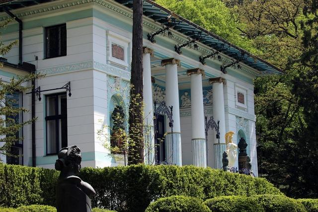Villa culture ernst fuchs, architecture buildings.