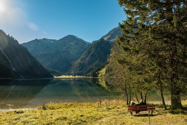 Vilsalpsee alpine bergsee.