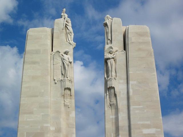 Vimy monument pylons chorus.