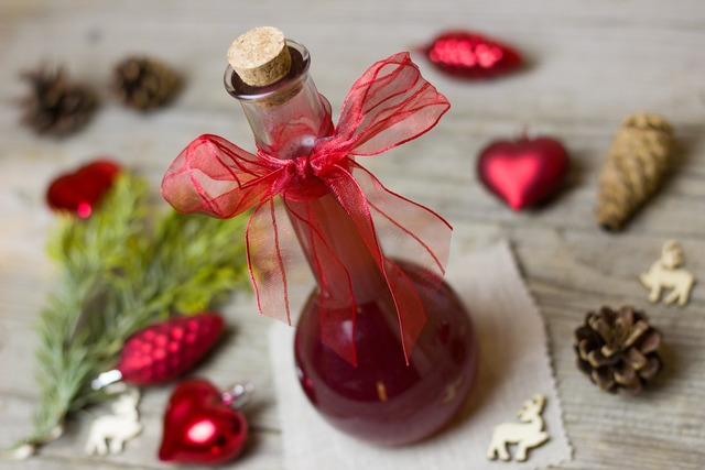 Vinegar pomegranate gift, food drink.