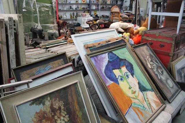 Vintage art flea market.