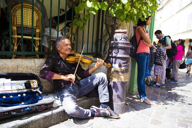 Violon musician france, transportation traffic.