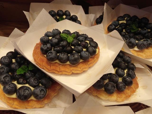 Waffle blueberry fresh, food drink.