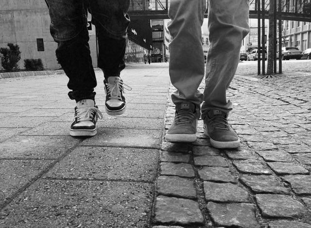 Walk walking feet, people.