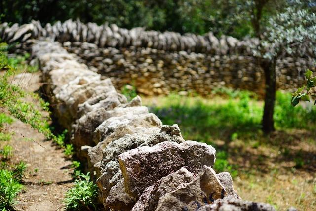 Wall stone wall dry stone masonry, architecture buildings.