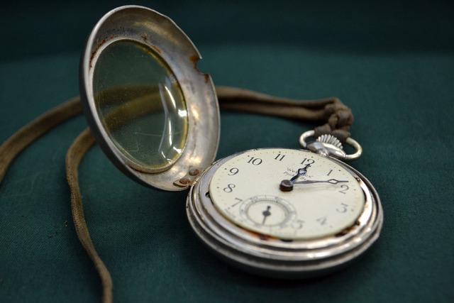 Watch time pocketwatch, sports.