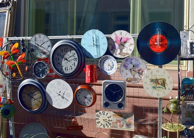 Watches junk flea market.