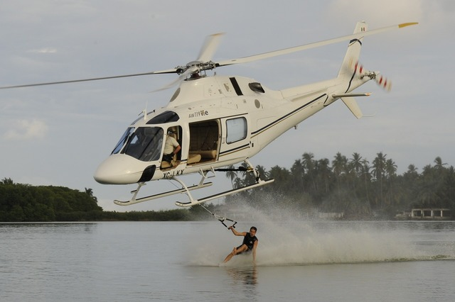 Water skiing helicopter extreme, sports.