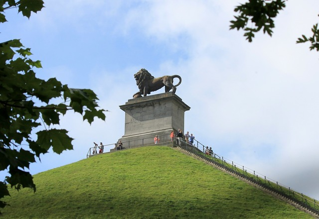 Waterloo belgium napoleon, places monuments.