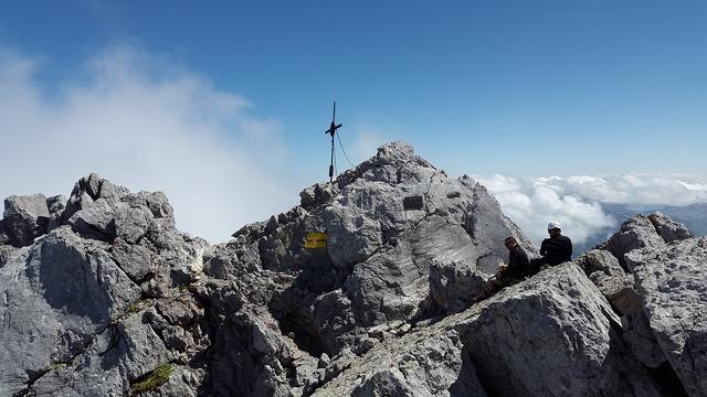 Watzmann middle peak rock berchtesgadener land.