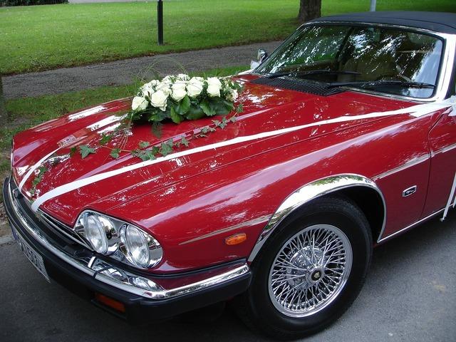 Wedding car wedding auto.