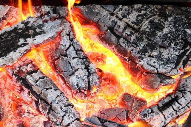 Weissglut fire embers.