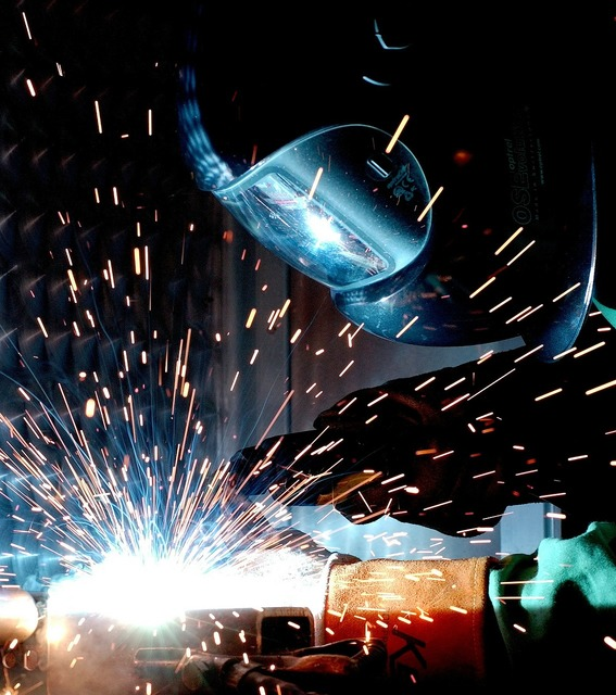 Weld hot soldering radio, industry craft.