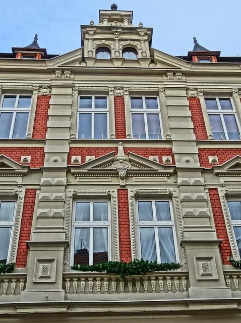 Welniany rynek bydgoszcz facade, architecture buildings.