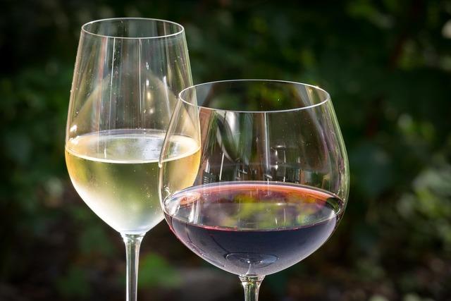 White wine red wine wine.