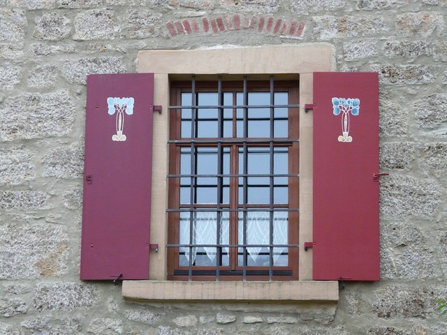 Window shutter grid, places monuments.