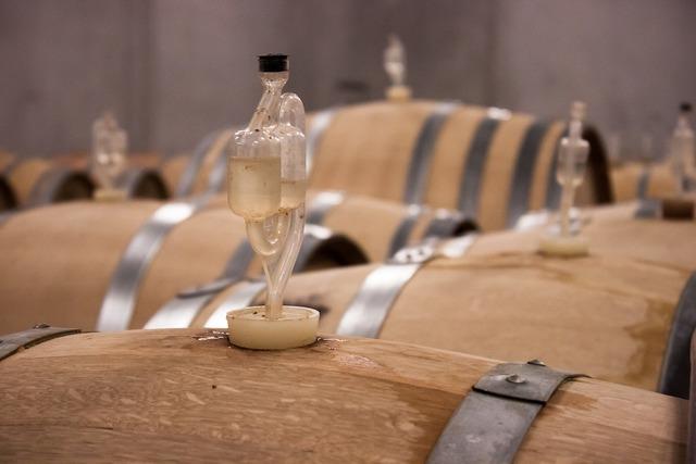 Wine barrel wine barrel.