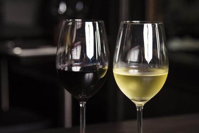 Wine red white.