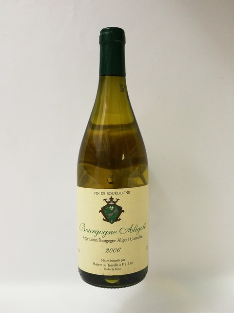 Wine white wine alcohol, food drink.