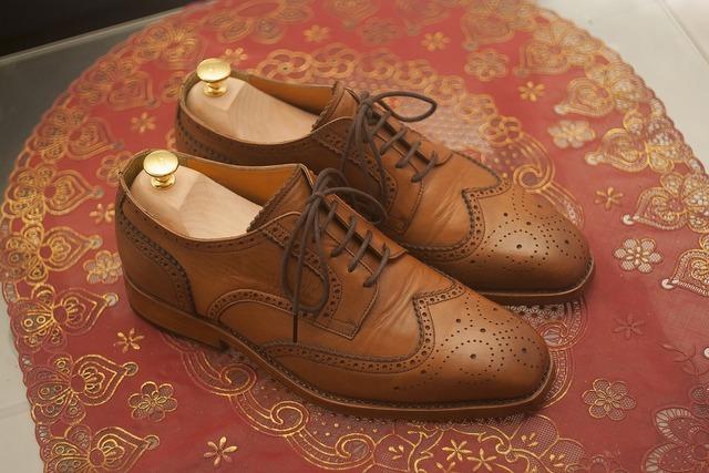 Wingtip dress shoes leather shoes, beauty fashion.