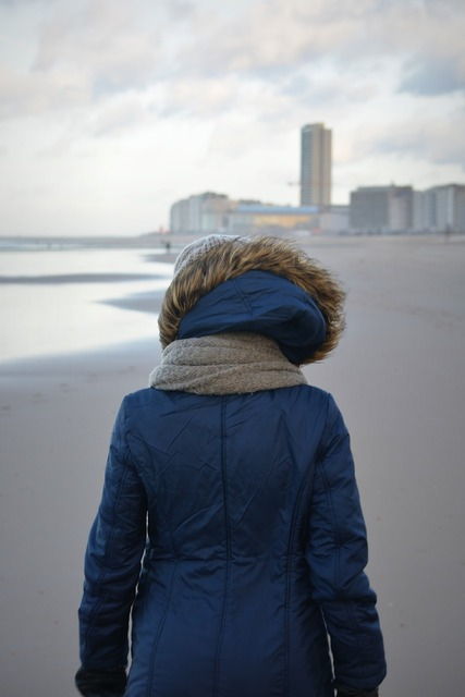Winter winter clothing walk on the beach, beauty fashion.