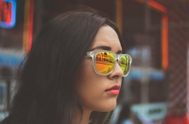 Woman sunglasses eyewear, beauty fashion.