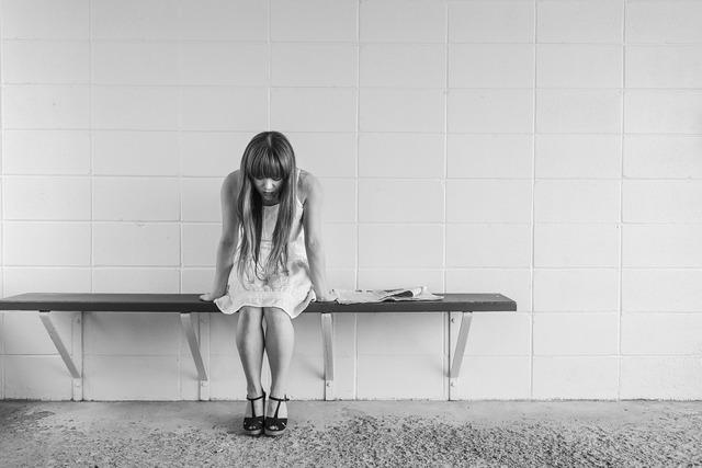 Worried girl woman waiting, beauty fashion.