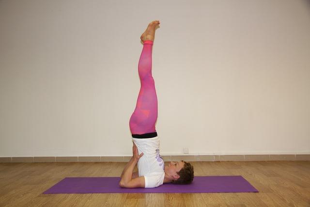 Yoga asana sarasvati, sports.