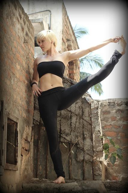 Yoga ashtanga india, beauty fashion.