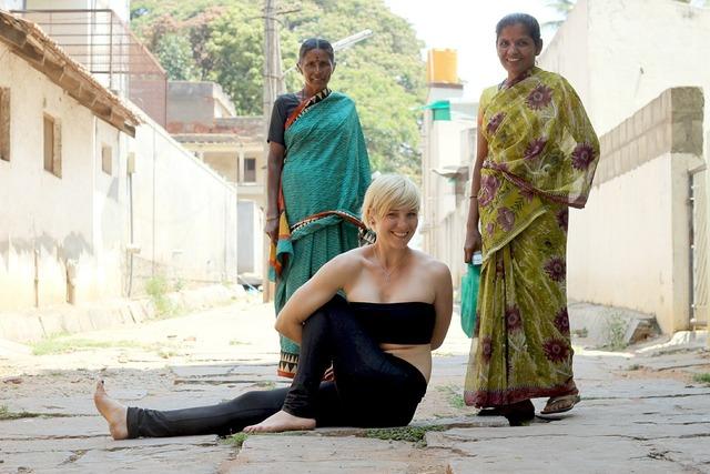 Yoga zen marichasana, beauty fashion.
