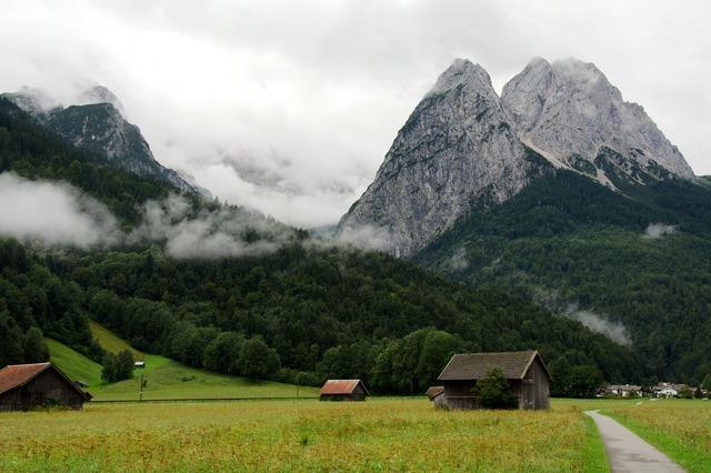 Zugspitze hiking mountains.